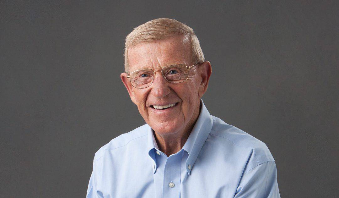 Legendary Football Coach Lou Holtz to Join 42nd Graduating Class for Commencement